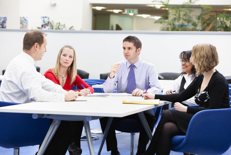 цели которые преследуют участники переговоров